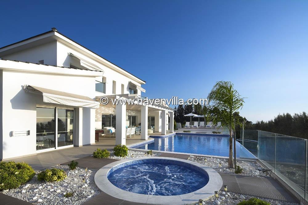 Villa 366